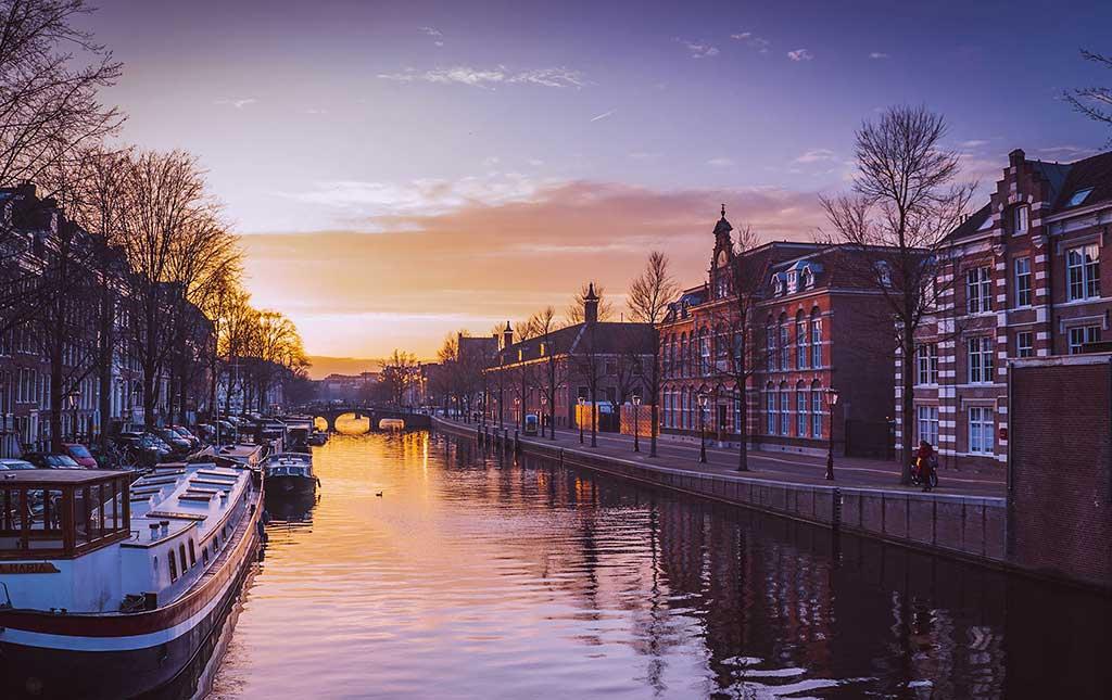 Amsterdam_1_b.jpg
