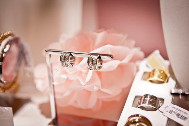 blur-close-up-elegant-flower-298852